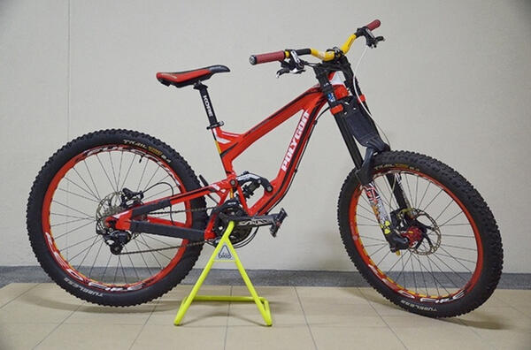 Poly | Togoparts Rides