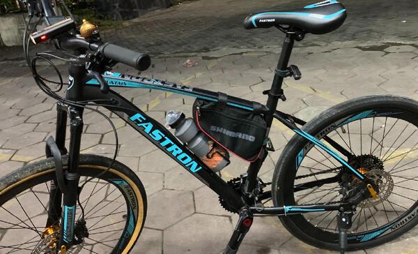 Blue Black | Togoparts Rides
