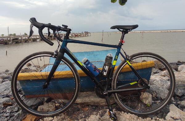 Polygon Strattos S4 | Togoparts Rides