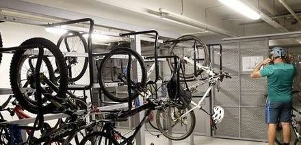 Government looking at giving incentives to developers when they include bicycle facilities in buildings
