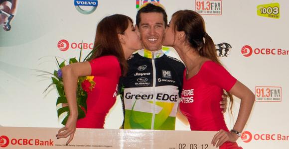 ROBBIE MCEWEN TRIUMPHS AT OCBC CYCLE SINGAPORE 2012
