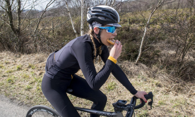 How many calories are burnt in an hour of cycling?